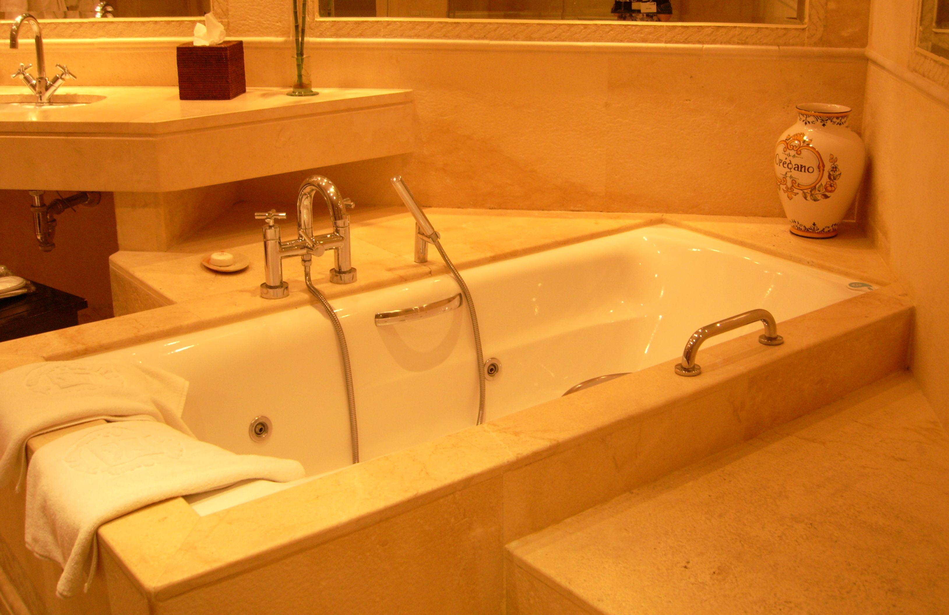 Vasca Da Bagno Per Hotel : Vasca da bagno idee e consigli per scegliere quella giusta