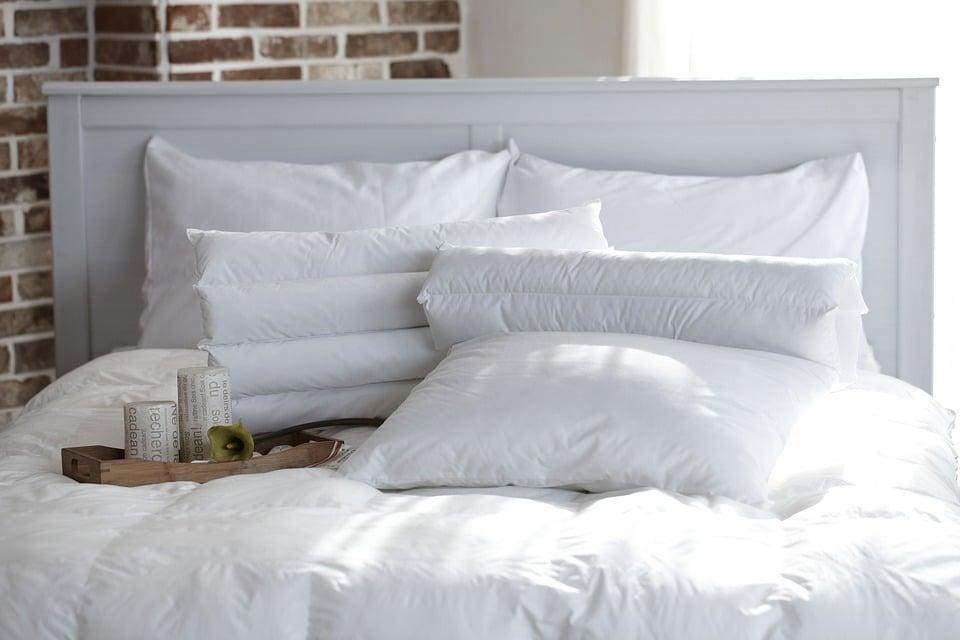 Come fare una testata letto imbottita latest dimensione letto di