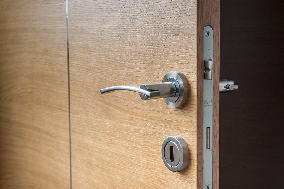 Porte da interno Ikea: soluzioni economiche di buona qualità