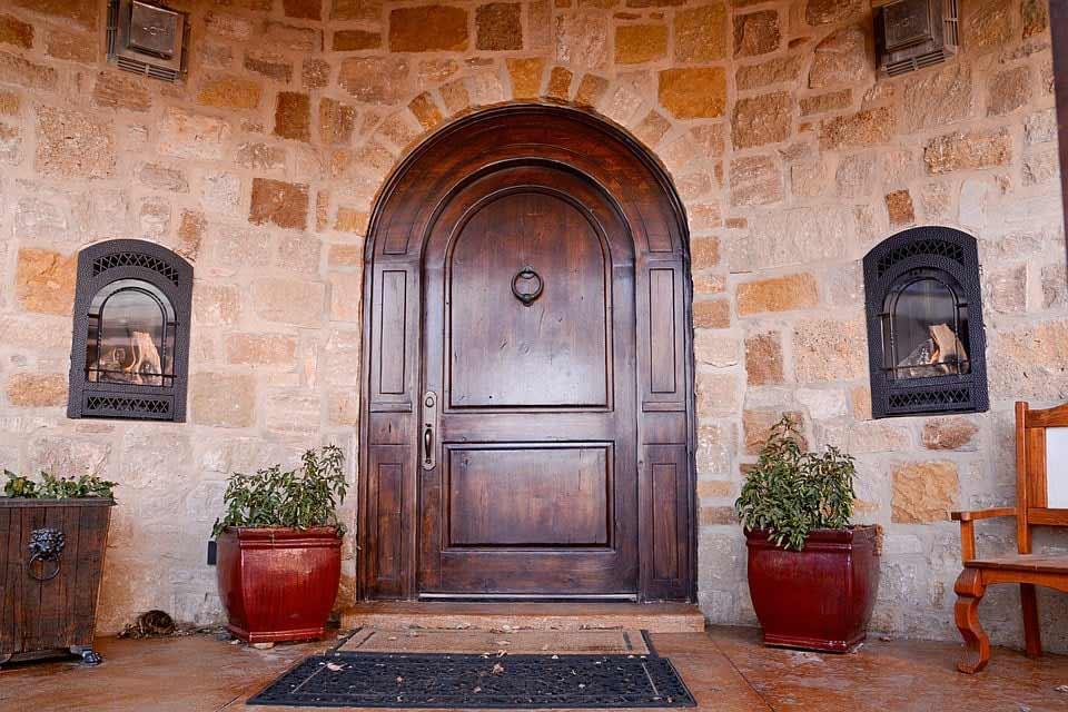 Porte in legno per interni una veloce guida alla scelya for Guida interni