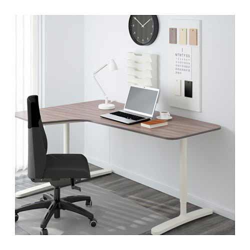 Scrivanie Ikea: tante soluzioni comode e funzionali nel ...